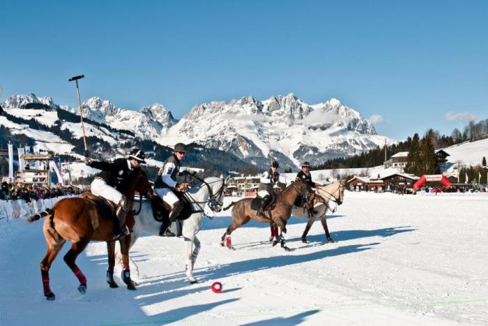 Snowpolo Kitzbühel