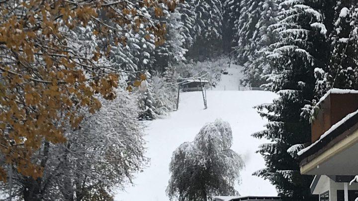 CampingWelt sneeuw op 27 oktober 2020