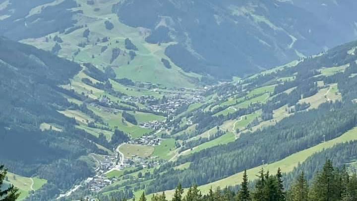 Kohlmaisbahn bergstation richting Hinterglemm foto @Robert Wondaal