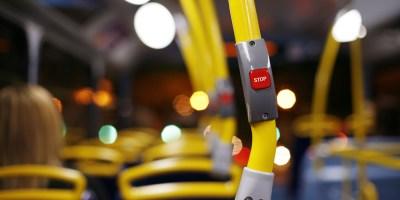 Illustrasjonsbilde av interiør på buss - Shutterstock