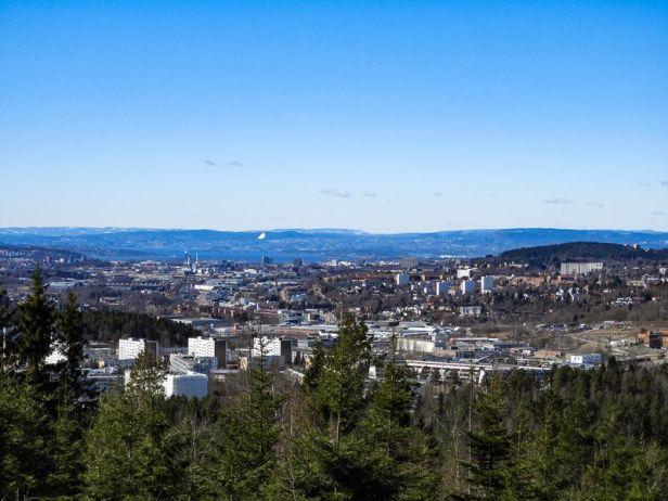 Utsikt over Groruddalen og Oslo fra gapahuken på Gjelleråsen - Oslomarka - Lillomarka - Fantastiske marka