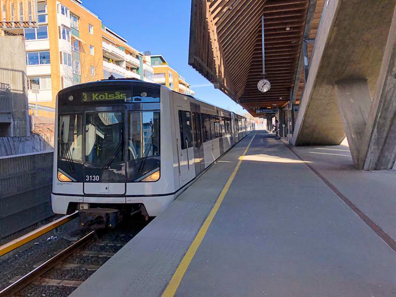 T-banevogn på vei til Kolsås - Oslomarka - Bærumsmarka - Fantastiske marka