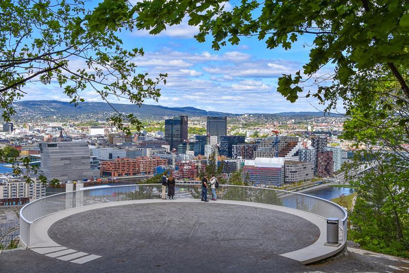 En av byens fineste utsikter over Oslo får du på Ekebergutsikten - Topper - Utsikt - Oslo - Fantastiske marka