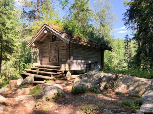 Den lille flotte Vikstjernkoia i Østmarka - Oslomarka - Åpne koier - Fantastiske marka
