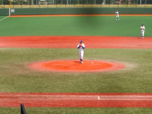駒大東野投手