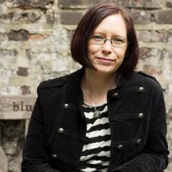 Jen Williams (Author Thumbnail)