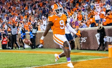 2021 NFL Draft Travis Etienne Profile