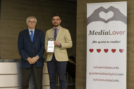 National Geographic recibió su premio de la mano de Nemesio Rodríguez