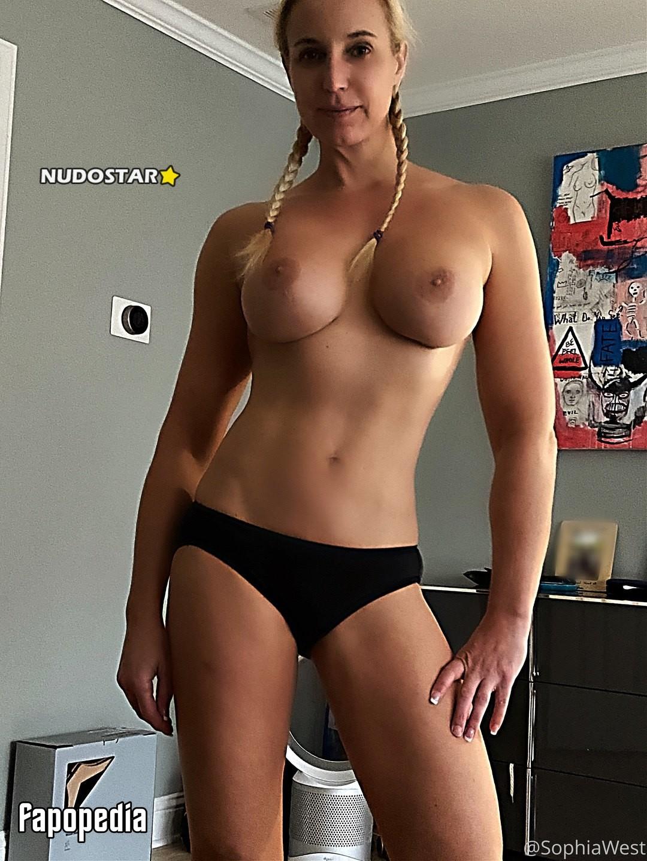 Sophiawest Nude OnlyFans Leaks
