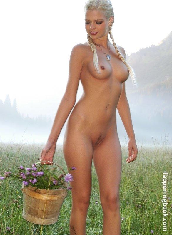 Melanie Eder Nude