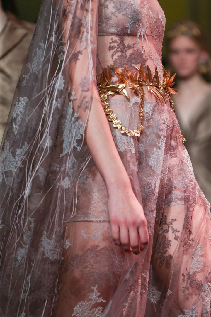 5 Different highlights in 5 Different Shows this Jan 2020 Paris Couture Week