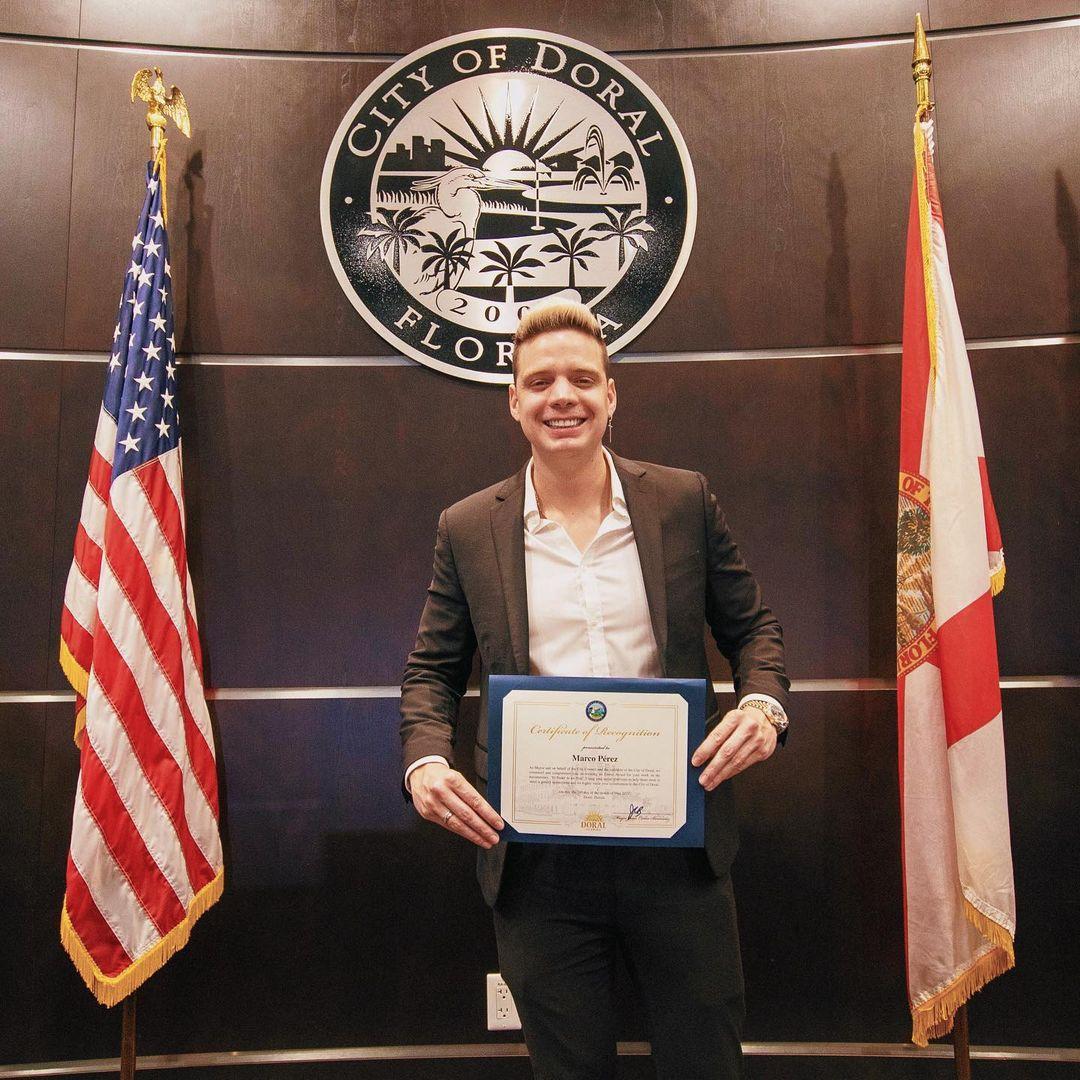 farandulavenezuela.com marko recibe reconocimiento del alcalde de ciudad doral 3