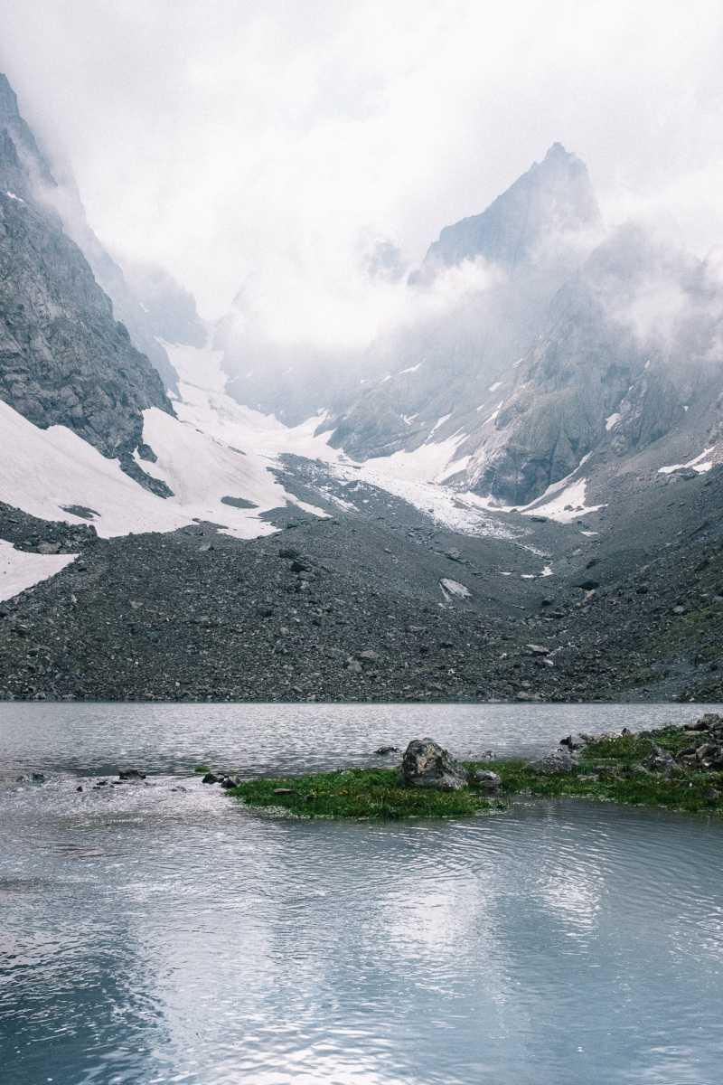 Adudelauri lake in Roshka region