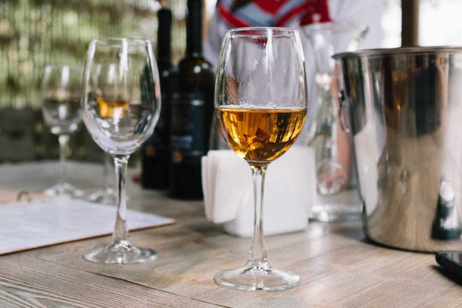 Georgian white wine tasting