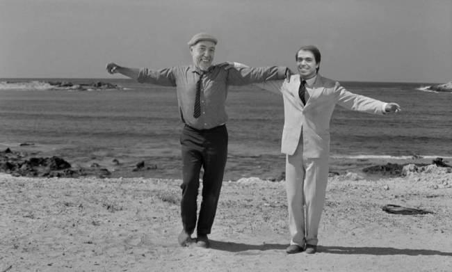 Nikos och Grigoris dansar zorba i Grekland