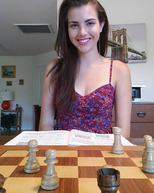 Alexandra Botez mungkin akan jadikan anda minat bermain catur
