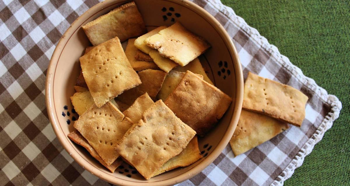Crackers con farina di ceci e polenta