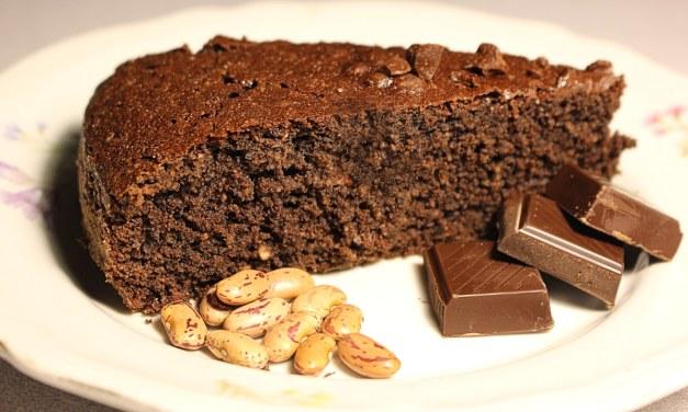 Torta con farina di fagioli al cacao