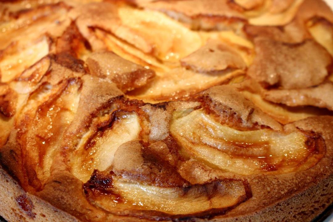 Torta farina di lenticchie e mele