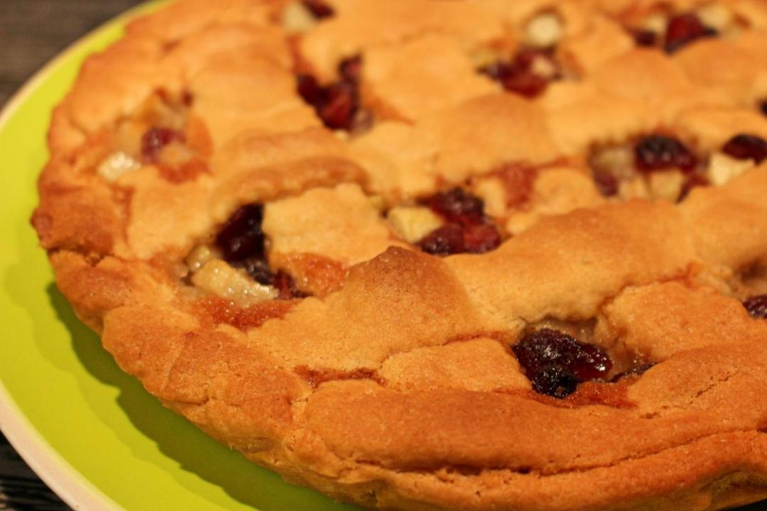 Crostata con mirtilli rossi e mele