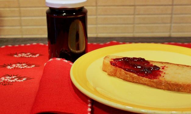 Confettura di ciliegie: consigli e ricetta per farla in casa