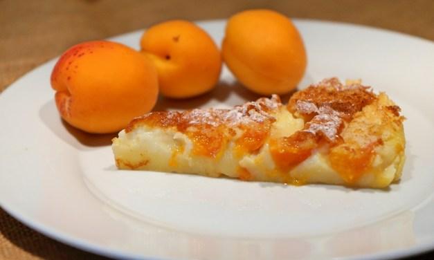 Clafoutis alle albicocche un dolce estivo facilissimo