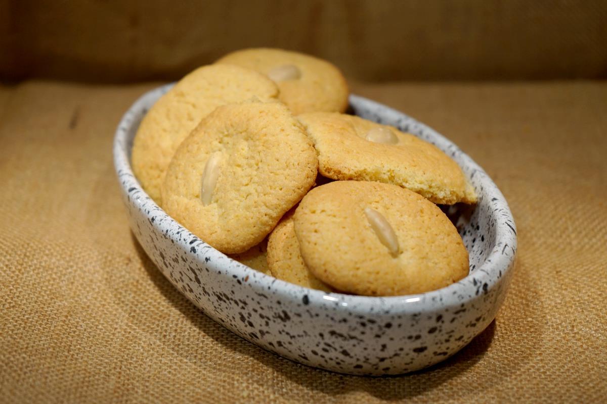 Biscotti con farina di mais e farina di mandorle
