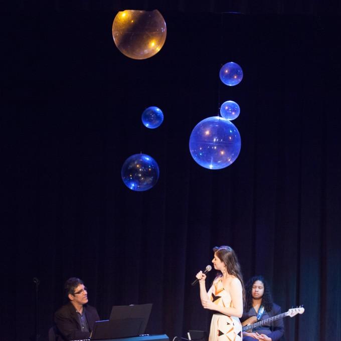 https://farlleyderze.com/wordpress/wp-content/uploads/2016/12/virginia-teatro-livraria-cultura-foto-rodrigojorge-4456.jpg