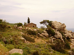 Ikaria 322 (isl_gr (away on an odyssey)) Tags: house architecture hiking ikaria icaria  aegean trails replacement cistus kampos ege    geniiloci trailoftheelves