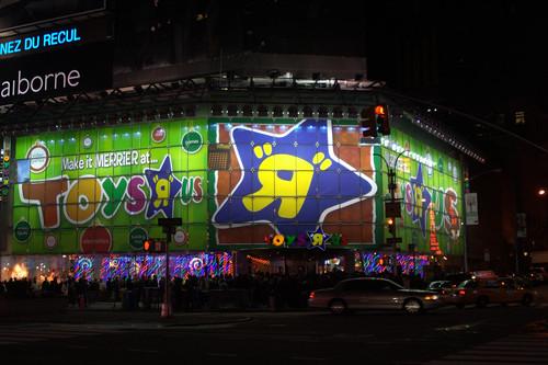 Colas del Viernes Negro en Toys 'R' Us de Times Square, Nueva York