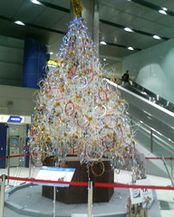 intel christmas tree in akihabara