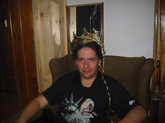 20070113 - Clint's 33rd Birthday party - 109-0945_Clint wearing a crown