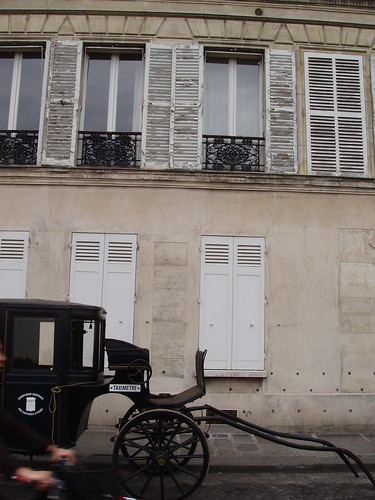 Carriage, shutters, hands