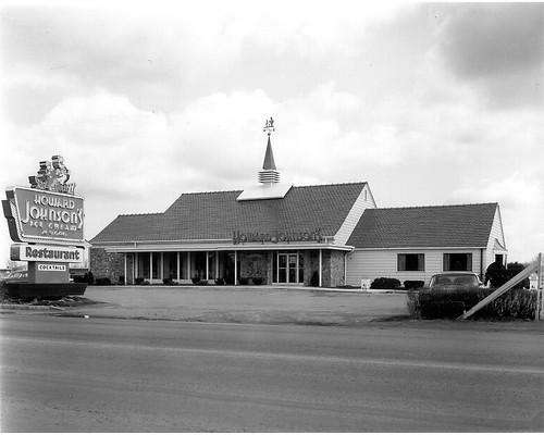 511 - Howard Johnson's - Dewitt - 1963 - 300dpi
