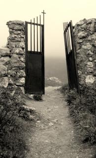 Graveyard's door