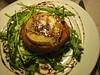 Mariona_Tatin de tomate confitado, queso de cabra y rucula