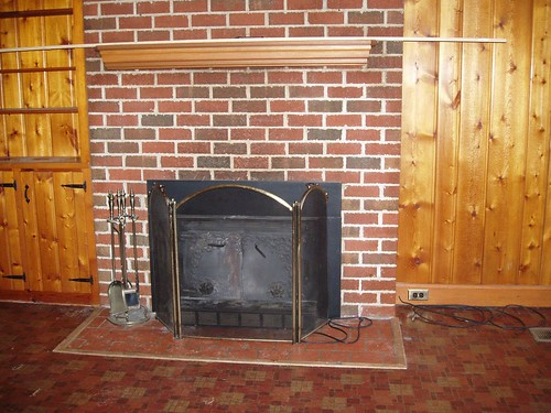 den - fireplace to be painted