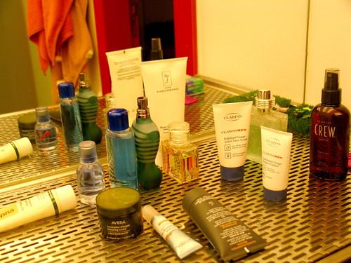 cosméticos en fuera del armario