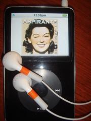 Yo escucho podcasts