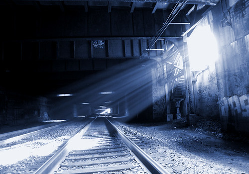 Mas a gente viu uma luz no meio de todos os problemas (foto de Pro-Zak, compartilhada no flickr via creative commons)