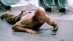 Locke lo pasa mal tras pasar por Sweat Logde y encontrarse con Boone.