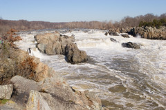 "IMG_2913: Potomac at Great Falls • <a style=""font-size:0.8em;"" href=""http://www.flickr.com/photos/54494252@N00/319147650/"" target=""_blank"">View on Flickr</a>"