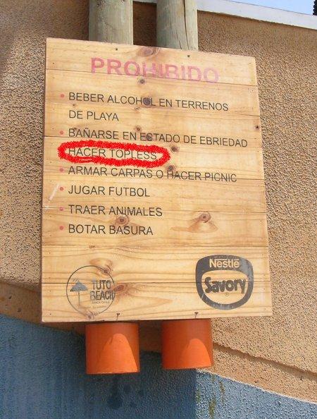 letrero en playa de Arica - Chile