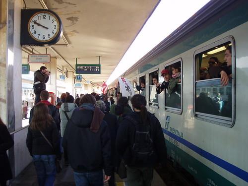 el tren del carnaval (y la manifestaciòn)