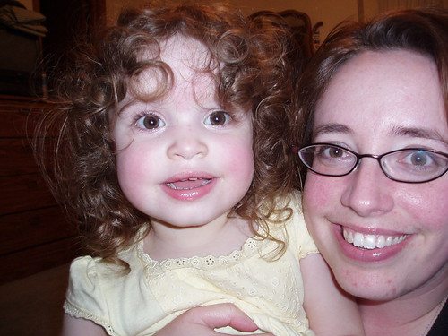 Curly Anna and Mommy