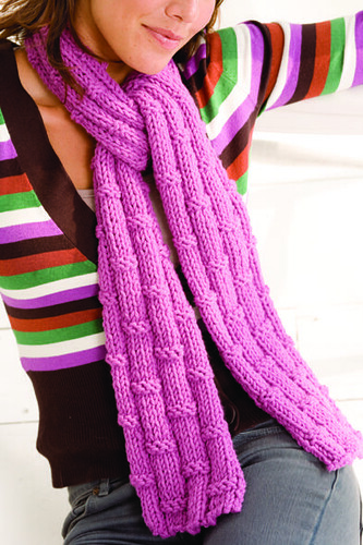 I like this scarf, its cute!