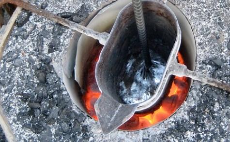 Xela Teco: melting junk aluminum