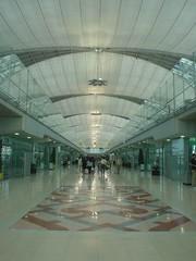 11.機場內一望無盡的長廊