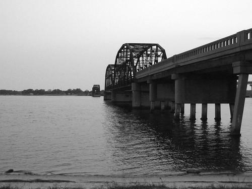 Old Tyndall Bridge