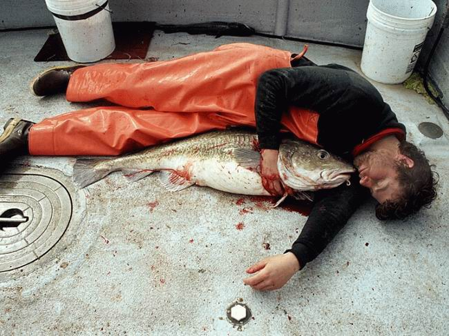 man_sleeps with_fish